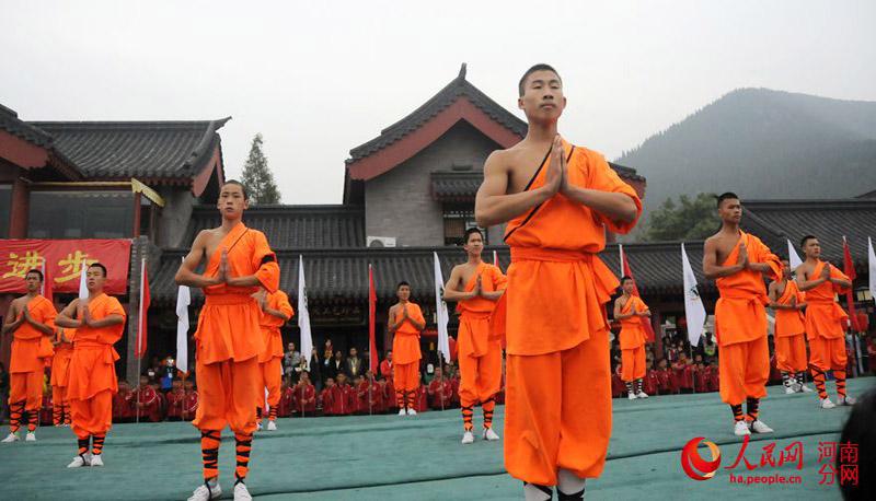第十届郑州国际少林武术节开幕 记者带你观少林功夫