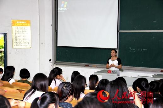 河南职业技术学院邀请优秀毕业生回校励志演讲