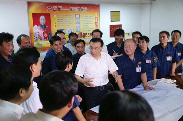 """总理6年后再回河南 首站选在洛阳 视察企业谈""""双创"""""""