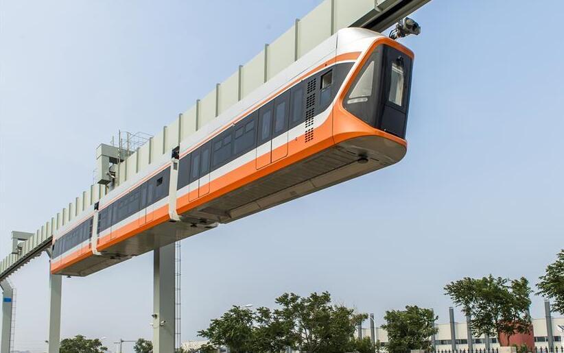 我国最高速悬挂式单轨列车下线
