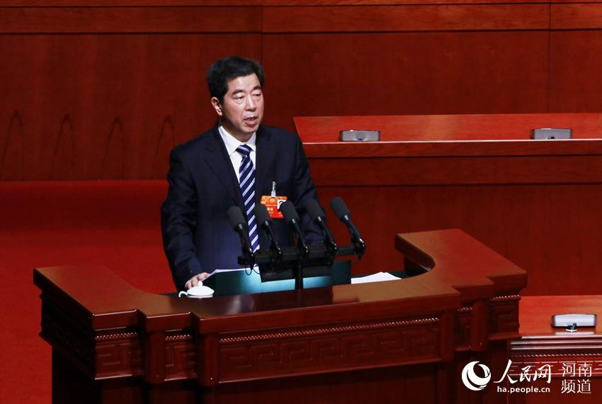 河南省十三届人大一次会议开幕 陈润儿作政府工作报告