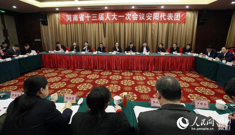 河南省人大代表分团审议政府工作报告