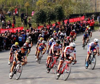 体彩·环中原自行车赛炫动淅川