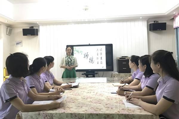 郑州二七建新街幼儿园讲述身边的感人故事