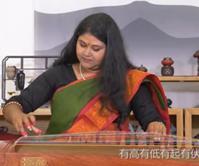 """印度少女""""圆梦记""""        朋静,一个来自印度的姑娘,怀着古筝梦来到中国…"""