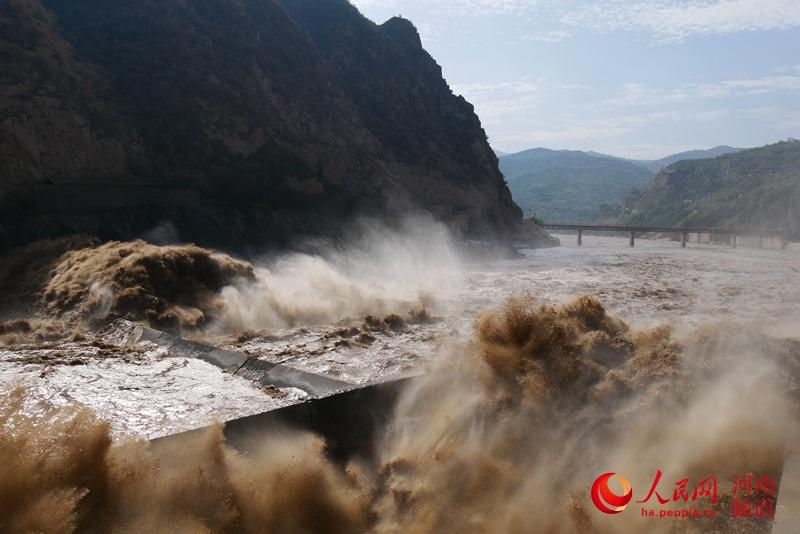 三门峡水利枢纽:母亲河上的大胆