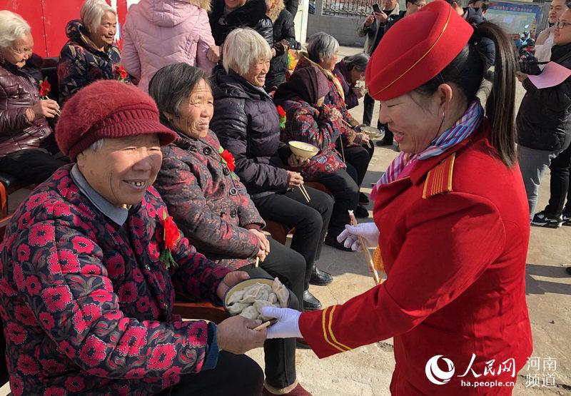 新郑:五措并举引入社会力量 积极构建大扶贫格局