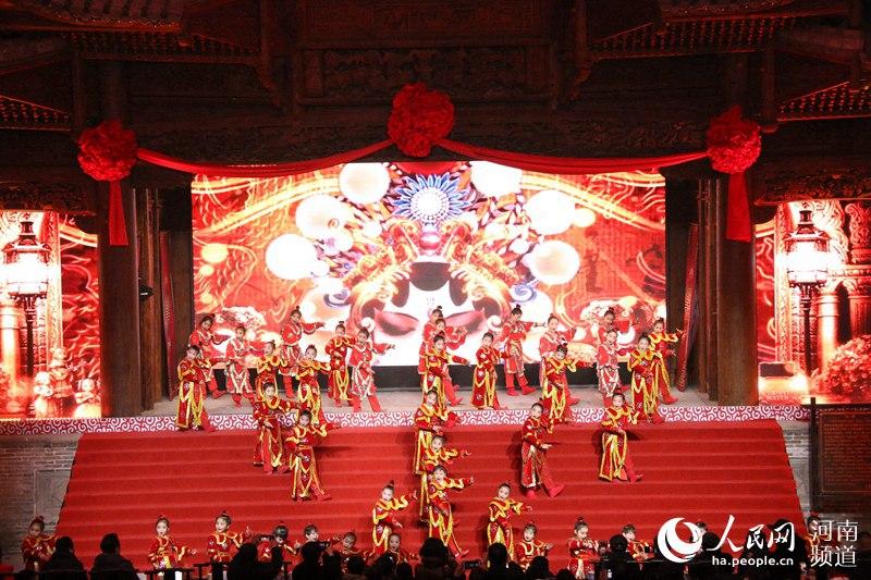 2019新年网络戏曲盛典在郑州举行
