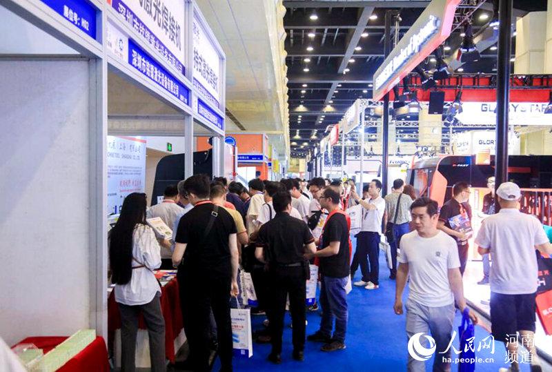 助力河南制造业转型升级 2019郑州工博会开幕
