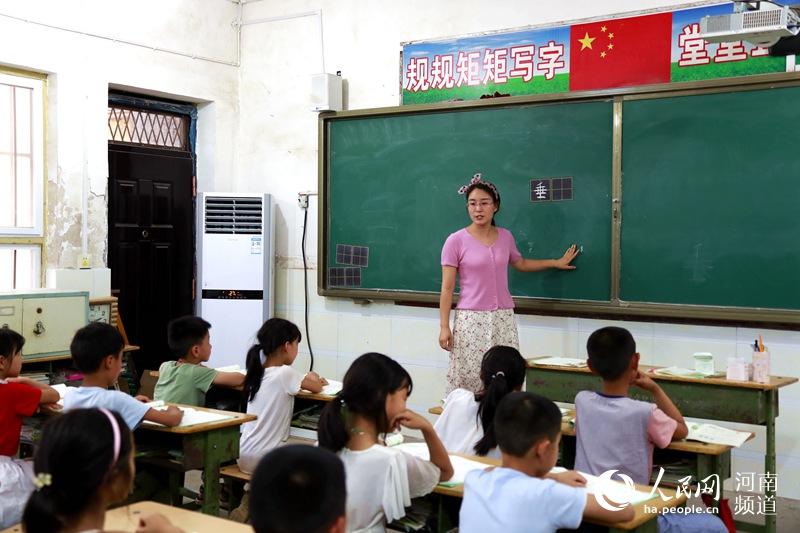 河南济源给47所山区学校加装取暖设施近3000台