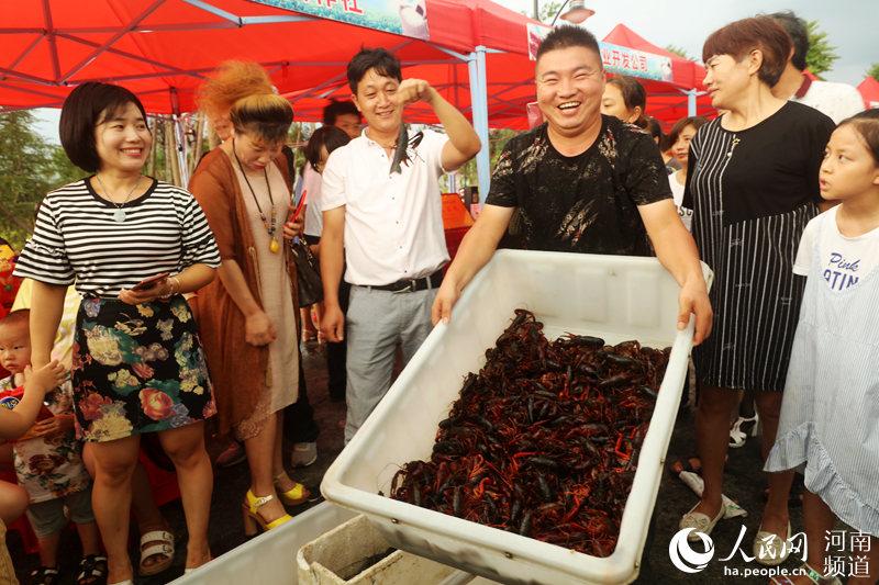 稻虾产业铺就光山致富路