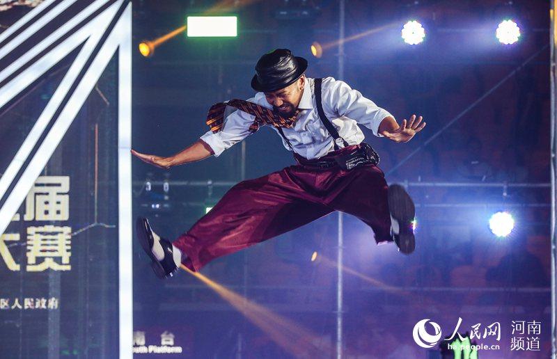 舞林高手齐聚郑州 首届中国街舞盛典完美收官