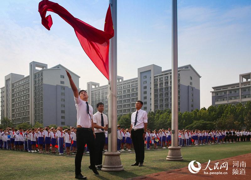 向祖国致敬!河南虞城30万师生同唱一首歌