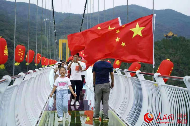 國慶假期河南旅游收入502億元 紅色游火爆