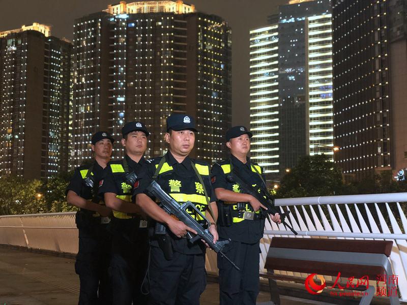"""""""零隐患""""、""""零差错"""" 郑州警方护航70周年大庆"""