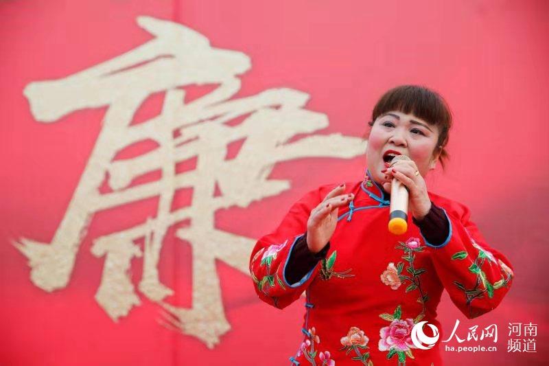 壮丽70年|全国艺人聚宝丰 说唱为何火了一座城?