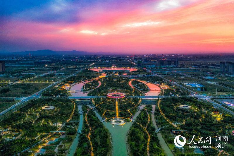 """郑州:买全球、卖全球 一条""""空中丝路""""腾飞一座城"""