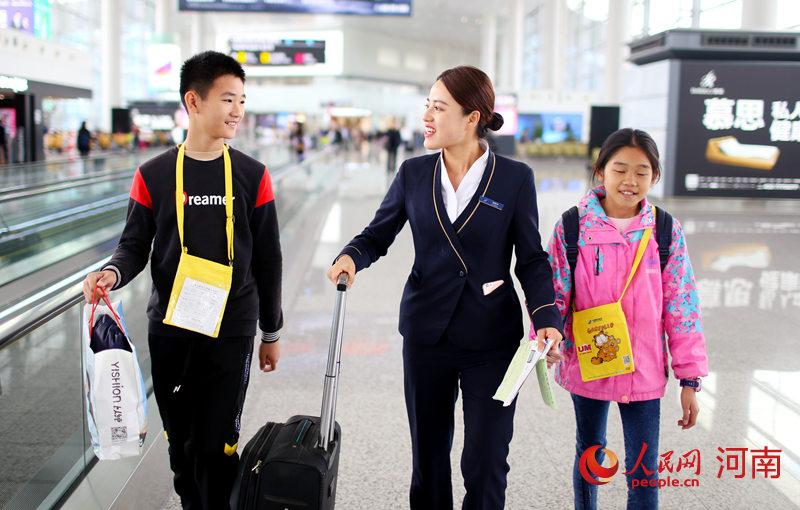 """南航计划在郑州执行航班6230班次 """"无陪儿童""""旅客明显增加"""