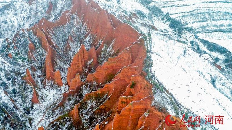 河南卢氏:雪后山城美如画