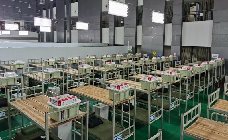 """情绪高涨!河南医疗队进驻武钢体育中心""""方舱医院"""" 即将收治患者"""