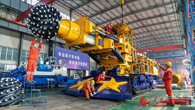 复工后第一单!中铁装备签约4台盾构机 将用于郑州地铁建设