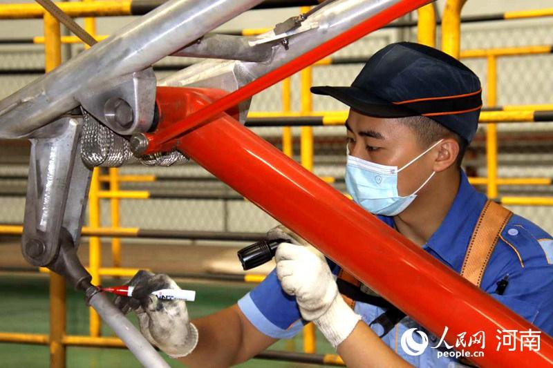 郑州地铁1号线55列电客车均衡修全面启动