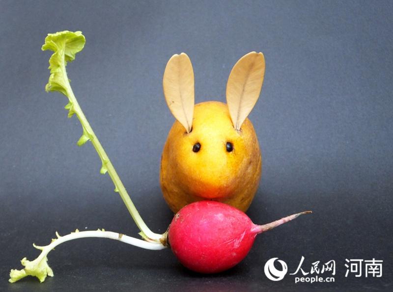 """厉害了!开封大爷刻出创意""""蔬菜版""""动物世界"""