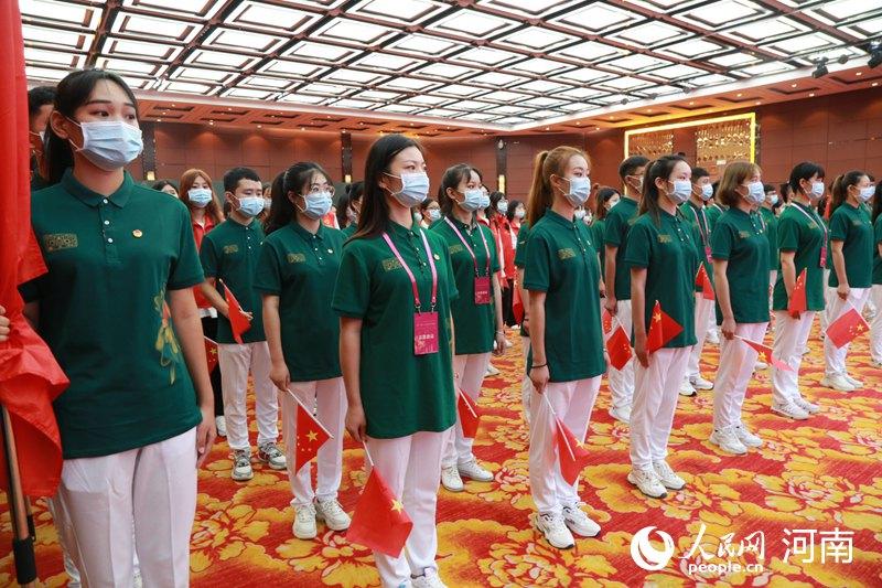 金鸡百花电影节青年志愿者出征 刘昊然带领志愿者宣誓