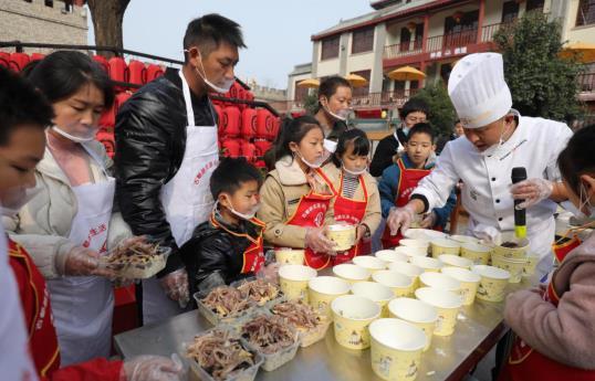 洛阳洛龙区:焗掌传统水席惠民文化节火热进行