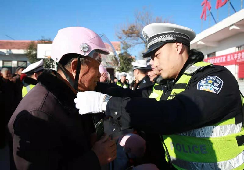 河南鹤壁交警:党建引领 宣传开路声势大氛围浓效果好