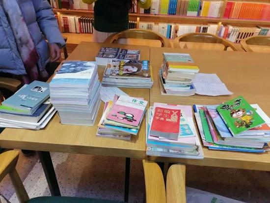 """郑州市经八路街道开展""""同献爱心、共享阅读""""捐书活动"""
