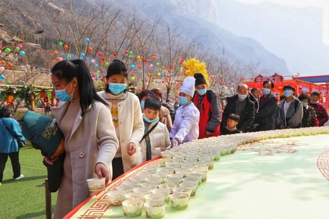 温暖就地过年异乡人 河南这个景区免费饺子宴火了