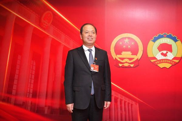 全国人大代表、河南省三门峡市政府市长安伟:把母亲河建设成绿意盎然的生态河