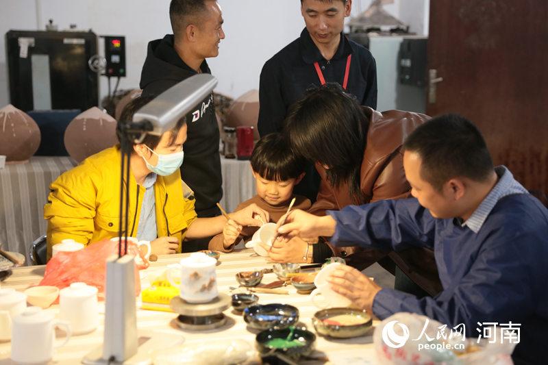 2020年度非遗研培成果展在郑州启幕