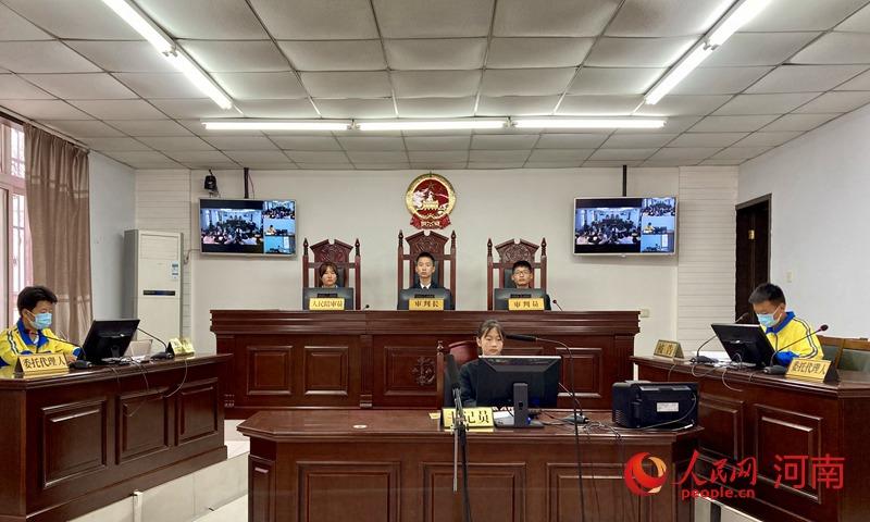 """河南鄢陵""""小法官""""走进模拟法庭 """"零距离""""学法"""