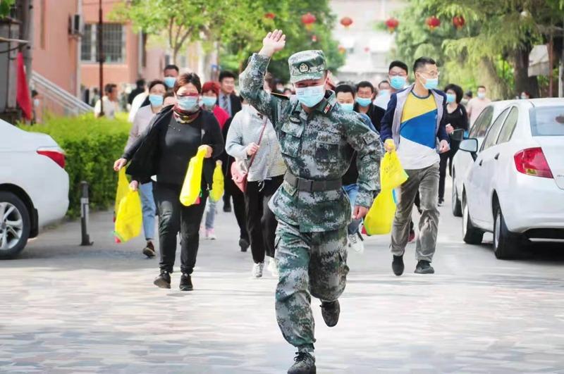 疏散人口_新乡市人防办开展人口疏散与接收安置演练活动