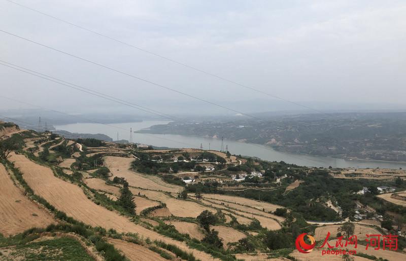 碧水黄河。人民网记者 王玉兴摄
