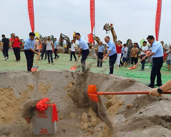河南郏县32个项目集中开工 总投资额129亿元