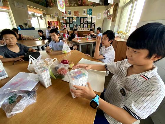 """洛阳西工区29所公办中小学开启暑期""""官方带娃""""模式"""
